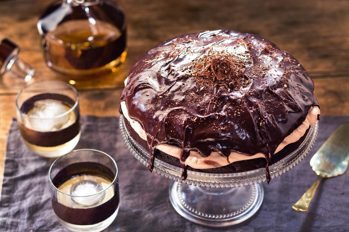 Chocolate Whiskey Cake With Boozy Ganache - Viva