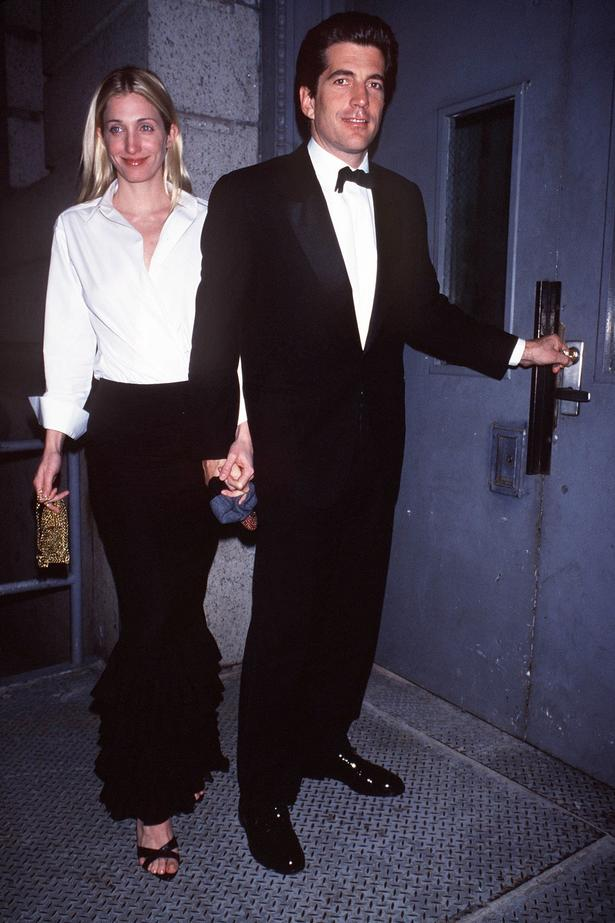 298 best Style Icon - Carolyn Bessette images on Pinterest