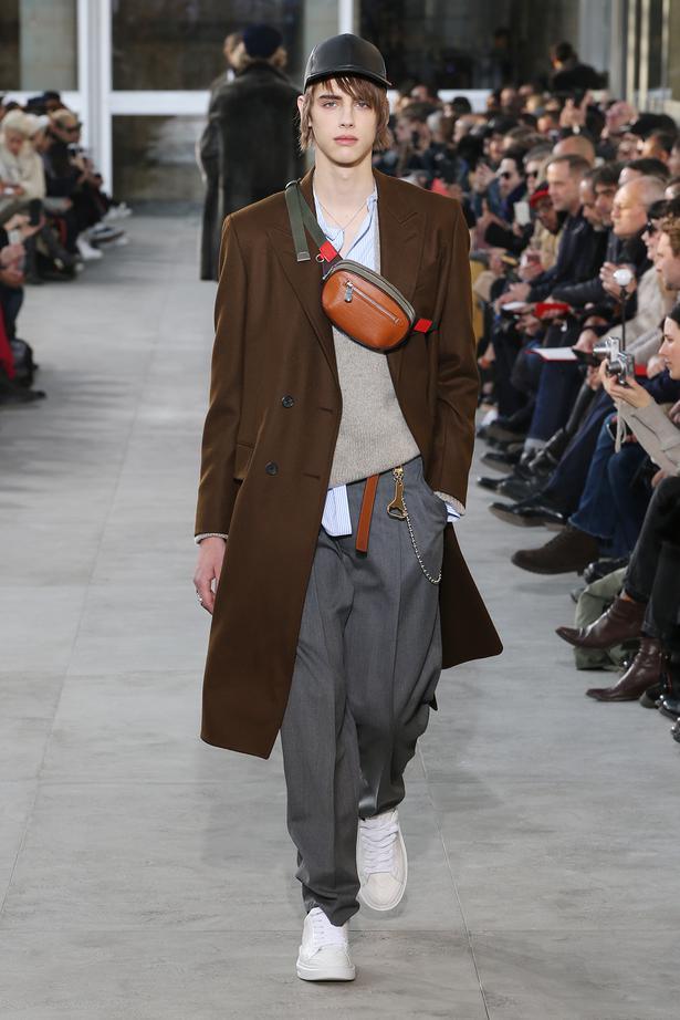 e6ff086354d Runway  Louis Vuitton Menswear Fall 2017 - Viva