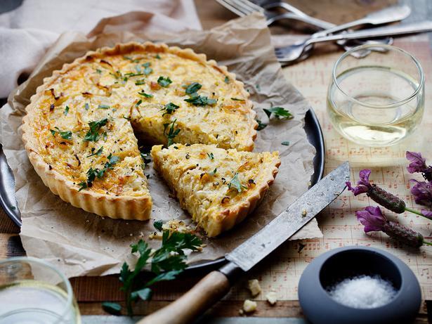 Onion and gruyere quiche recipe viva for Luxury quiche