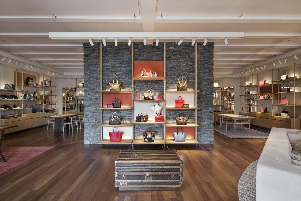 Inside louis vuitton 39 s new queenstown mountain resort for Design hotel queenstown