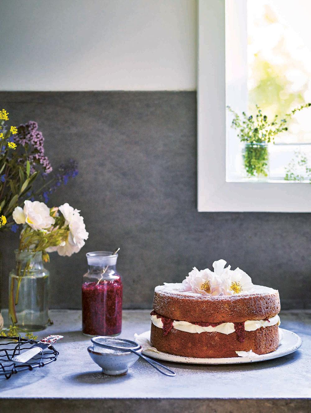 Amber Roses Perfect Sponge Cake Recipe Viva