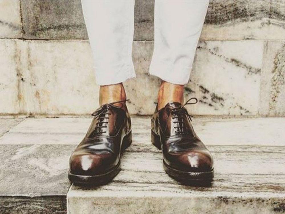 Should Men Wear Shoes Without Socks? - Viva